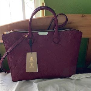 Burberry Bags - NWT BURBERRY GRAINY CHECK LEATHER DEWSBURY TOTE